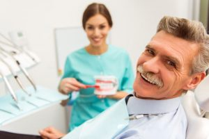 Leesburg va dentist with patient
